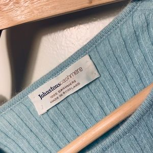 LIGHT BLUE JOHNSTONS CASHMERE LADIES SWEATER TOP